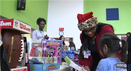 HISD Facilities Services Brings Toys to Dogan Elementary