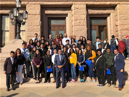 HISD students meet state lawmakers, tour Capitol on opening day of legislative session