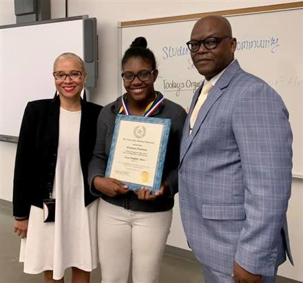 Brianna Freeman Receives TEA Student Hero award